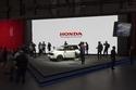 تقديم نموذج مستقبلي اختباري لسيارة كهربائية جديدة