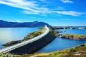 طريق الأطلسي (النرويج) يبلغ طوله 8.3 كم، مرصع بعدد من الجزر والشعاب المرجانية ويحتوي على 8 جسور.
