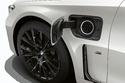 سيارة من طراز BMW 745e الجديدة