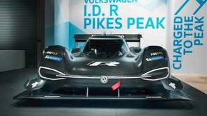 بالصور.. أسرع سيارة كهربائية في العالم
