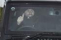 صور لاعبي يونايتد بعد رحيل مورينيو: ردود الأفعال من داخل السيارات