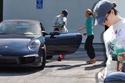صور سيارات الممثلة الأمريكية آن هاثاواي 1