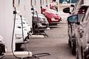 اختيار أفضل محطة شحن لسيارتك الكهربائية