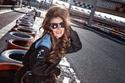 صور حليمة بولند تخضع لجلسة تصوير رائعة داخل حلبة سباق