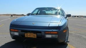 بورش 944 تعرض للبيع بعد تخزينها 27 عاما