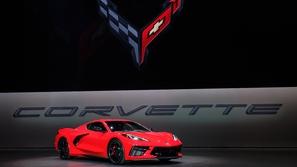 لقد وصلت: إطلاق سيارة كورفيت 2020 الجديدة كليًا بالمحرك الوسطي!