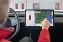 إيلون ماسك يسوق لتقنية القيادة الذاتية بطريقة جديدة