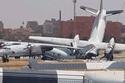 الطائرتان المحطمتان في مدرج المطار 2