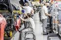 بنتلي بدأت الإنتاج في عالم السيارات منذ 102 عام