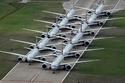 صور للطائرات في مدرج المطار
