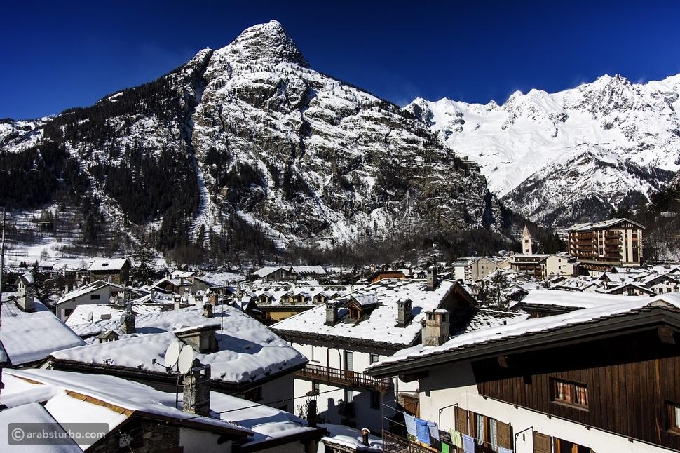 بلدة كورمايور الإيطالية الساحرة التي ترتفع 1224 متراً عن سطح البحر