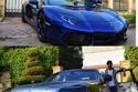 ميدو ينشر صورة لسيارته الفيراري .. شاهد كيف رد محمد رمضان عليه!