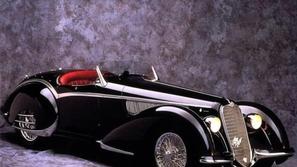 بالصور من معرض الرياض.. سيارة سباق نادرة بسعر خيالي