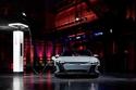 السيارة تستعرض قدراتها على الشحن الكهربائي السريع