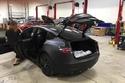تسرب صور جديدة تظهر جمال سيارة تيسلا موديل 3 الكهربائية
