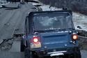 صور.. جيب تتحدى التضاريس الخطرة لزلزال ألاسكا