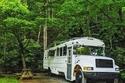 بالصور: اشترى حافلة مدرسية وقام بتحويلها لمنزل فاخر