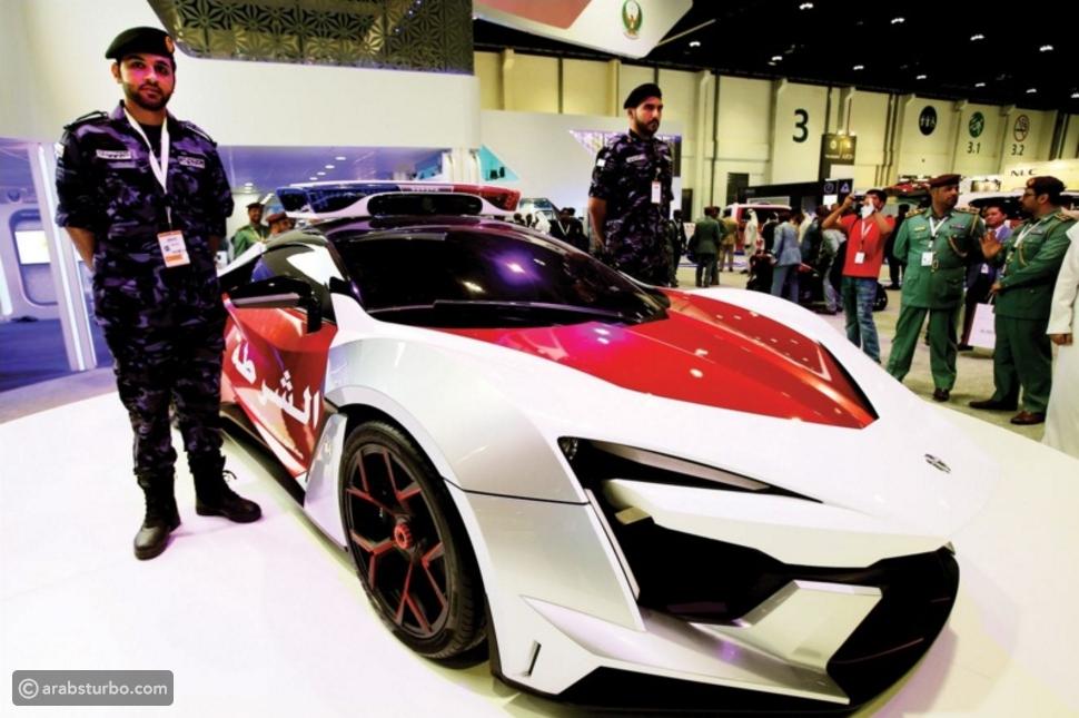 بالصور: 8 مركبات فريدة في أسطول شرطة أبوظبي بينهم الأغلى في العالم