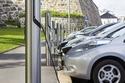 محطات شحن لبطاريات السيارات الكهربائية على الطريق