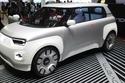 """نموذج سيارة """"سنتوفينتي"""" الكهربائية بالكامل"""
