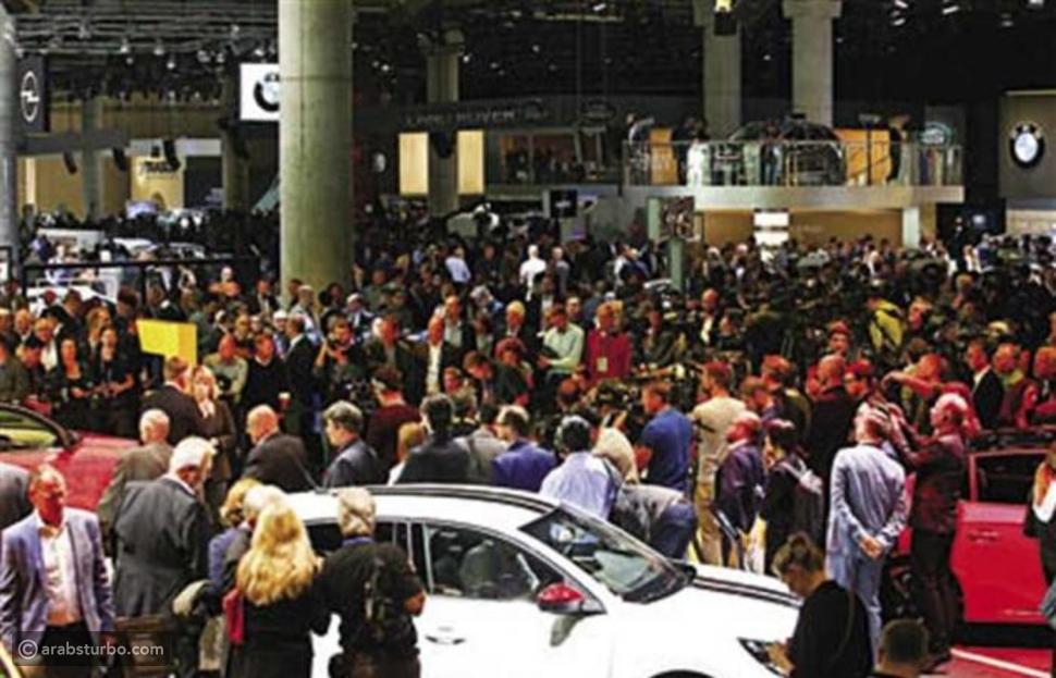 معرض فرانكفورت: ميركل تفتح أبواب المعرض الألماني