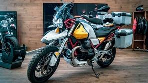 لمختلف أنواع الطقس: V85 TT الدراجة الإيطالية الأنيقة