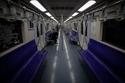 قطار بكين يكاد يكون خاليا