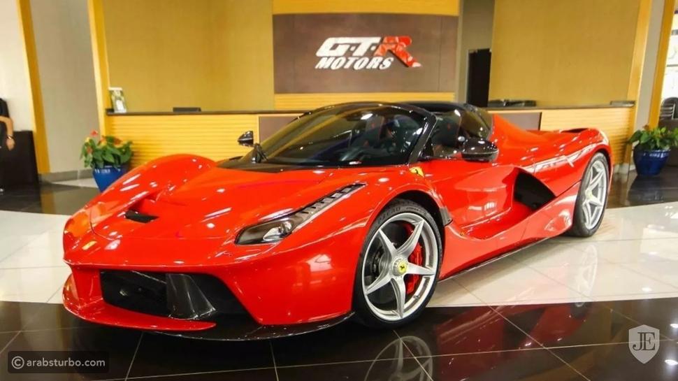 صور لافيراري أبيرتا حمراء للبيع في دبي بسعر فلكي