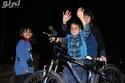 صور الرئيس التركي يهدي طفل سوري درّاجة لهذا السبب!