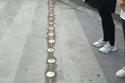 """إشارة مرورية جديدة في الصين لحماية """"المشاة الزومبي"""""""