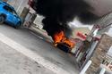 الرعب سيطر على محطة الوقود بسبب الحريق الهائل في ماكلارين 765LT