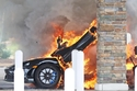 النيران اشتعلت بالكامل في سيارة ماكلارين 765LT