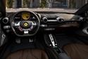 نظام عجلة قيادة يعمل بالكهرباء وهو ما يتيح عزما إضافياً لقائد السيارة