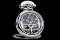 الساعة تم صناعتها بالتعاون مع شركة بوفيت 1822 السويسرية