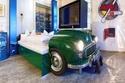 الفندق الألماني يستخدم قطع سيارات حقيقية