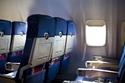 2- طلب تبديل المقاعد مع جارك: حيث كان ذلك سببا في طرد إمرأة مسلمة من طائرة في مطار شيكاغو.