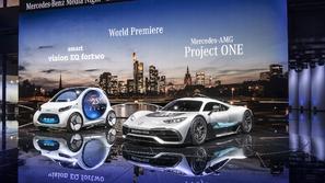صور مرسيدس تطلق طرازات جديدة خلال معرض فرانكفورت للسيارات