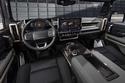 نظرة على المقصورة الداخلية على همر SUV الجديدة