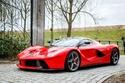 صور سيارة الأحلام فيراري لافيراري حمراء للبيع في هولندا!