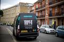 بالصور.. صالون متنقل للحلاقة في شوارع لندن