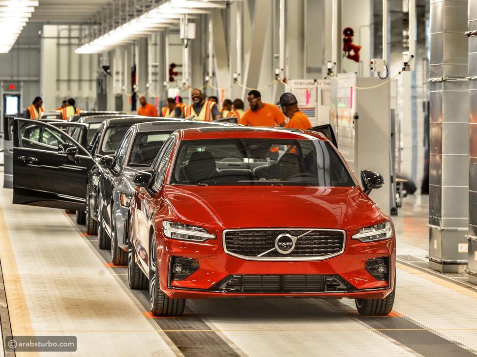 فولفو للسيارات تطلق S60 السيدان الرياضية الجديدة