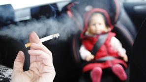 لهذه الأسباب: لا تدخن داخل السيارة