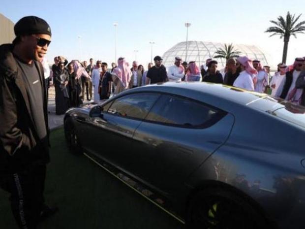 سيارة رونالدينيو الجديدة رابيد AMR