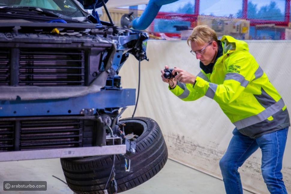فولفو تحقق في حوادث سياراتها منذ نصف قرن!