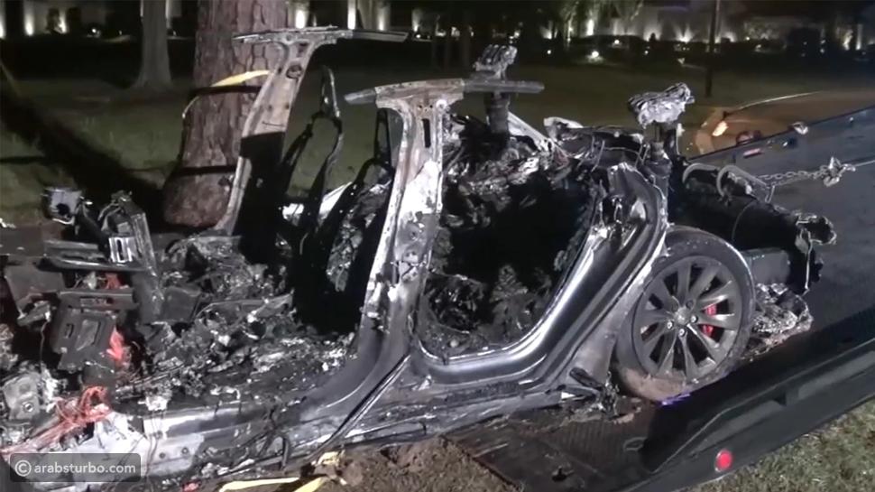 رئيس تسلا يكذب إدعاءات الشرطة بعد مصرع شخصين في حادث
