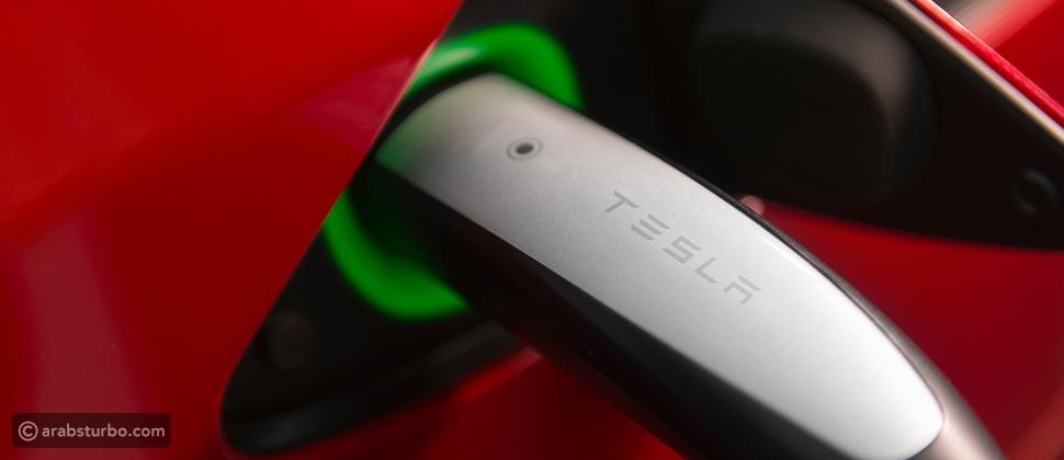 دبي تحوّل السيارة الكهربائية إلى سيارة إقتصادية