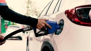 10 أخطاء تتسبب في رفع استهلاك الوقود