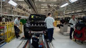 بعد ترامب.. هبوط مبيعات السيارات في الصين