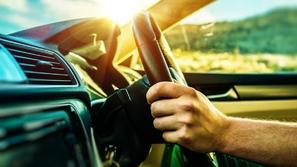 مع ارتفاع درجات الحرارة: نصائح تشغيل تكييف السيارة في الصيف