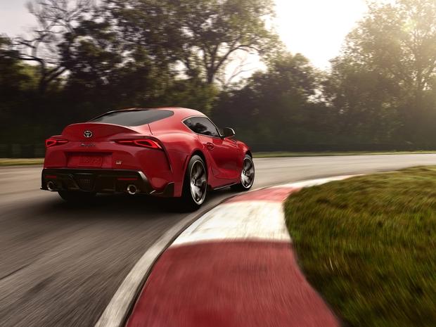 سيارة بأداء استثنائي سواء على الطرق المعبدة أو كمنافس قوي على الحلبات